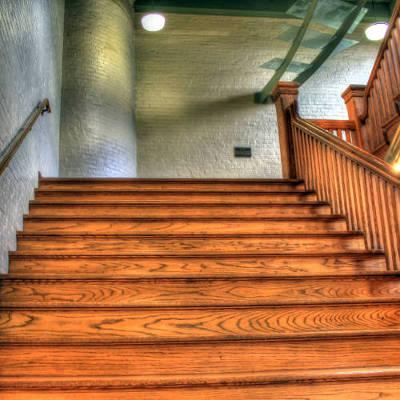Rénovation d'escalier en bois massif