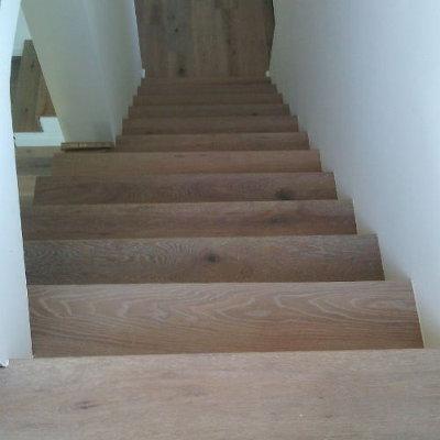 Vitrification marches d'escalier avec un vernis ultra-résistant