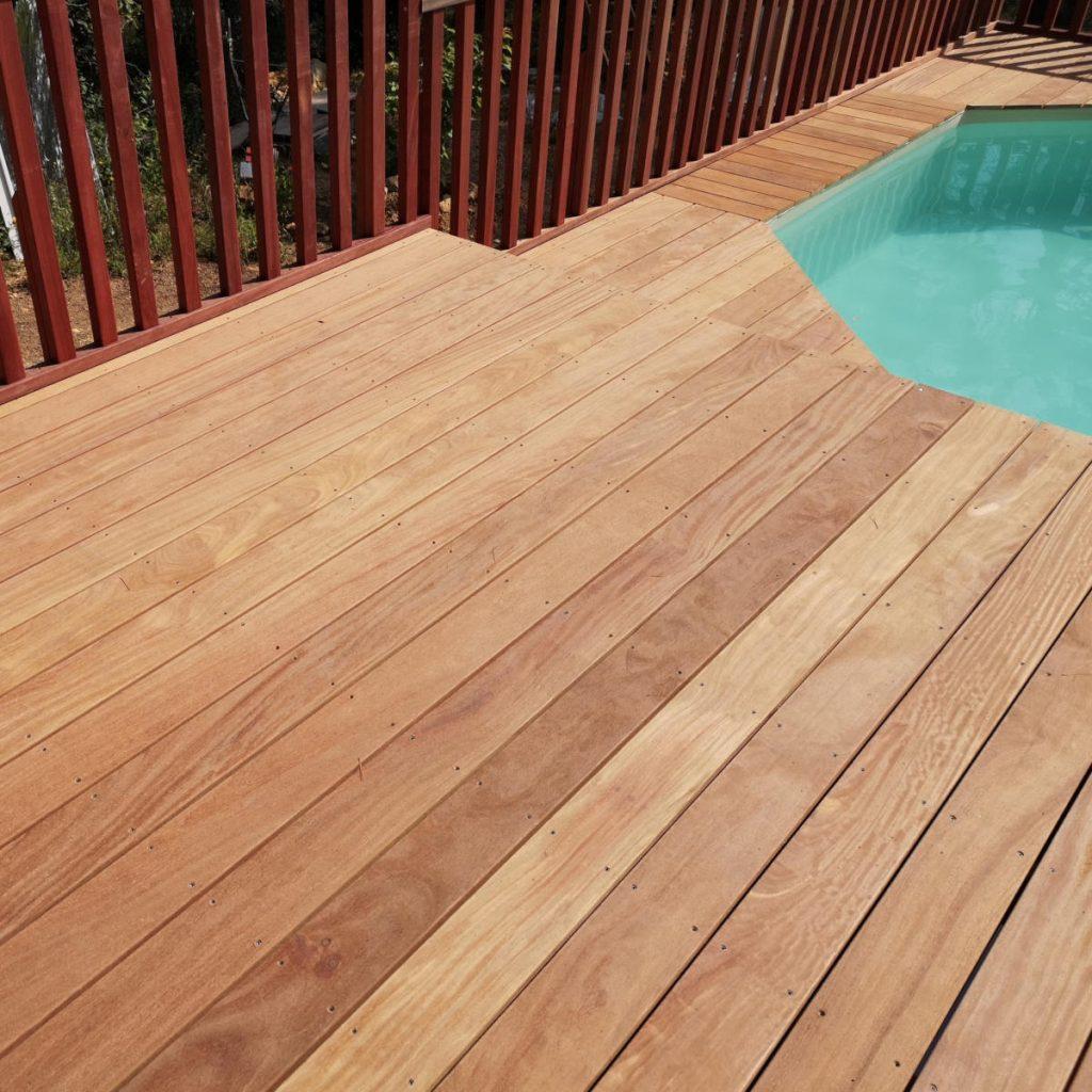 Fabrication de terrasse en bois exotique à Salernes